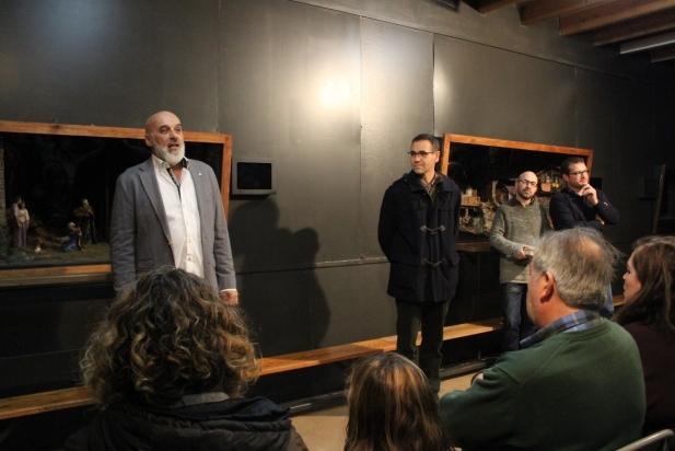 D'esquerra a dreta, Joan Juni (president del Grup Pessebritsa), l'alcalde Ignasi Giménez, el rector Txema Cot, i el regidor de cultura Aleix Canalís. || M. ANTÚNEZ