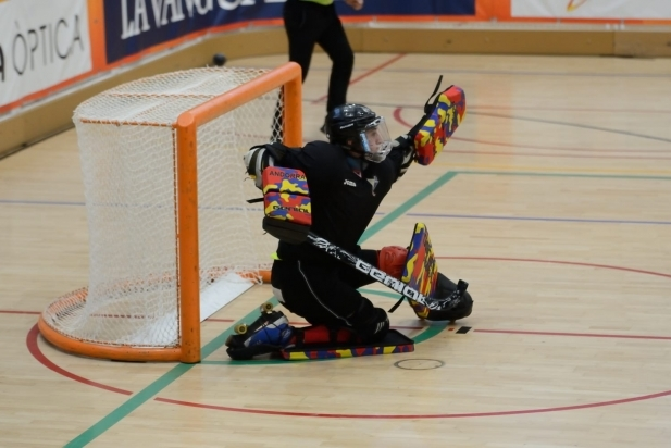 Xicola aturant un llançament en un dels partits dels WRG - CEDIDA